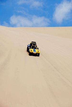 Et ça c'est le moyen de transport dans les dunes... il faut savoir que tu risques ta peau à chaque seconde...