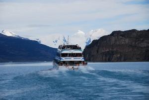 on s'est payé le tour en bateau au milieu des icebergs