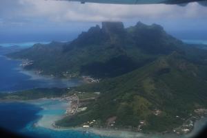 Bora Bora et son lagon, vus depuis l'avion