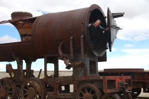 Au cimetière de locomotives d'Uyuni