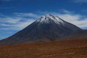 Le volcan au cône parfait qui domine San Pedro