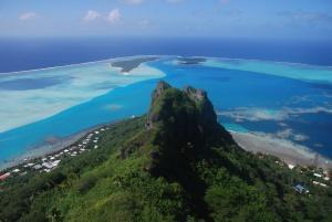 La superbe vue sur le lagon de Maupiti depuis le sommet de l'île