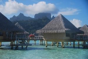 Un des hôtels de grand luxe de Bora, hors de portée de notre budget