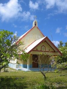 La petite église sur la passe sud de Fakarava, au bout du monde