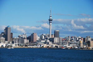 La vue sur le centre d'affaires d'Auckland depuis le bateau qui nous emmenait sur l'île de Rangitoto