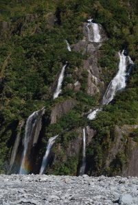 Les cascades au pied du Franz Joseph