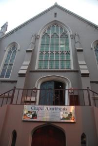 Oui, ils ont vraiment amenagé des appartements dans une église (NZ)